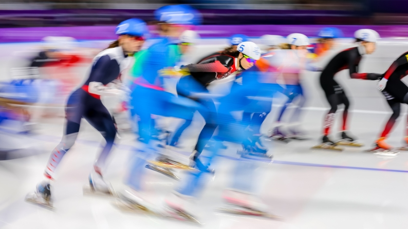 February 24, 2018: Speed skater Keri Morrison (#5) competing in the ladies' mass start event. (PHOTO: Greg Kolz)
