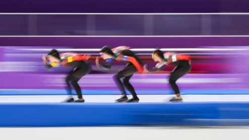 February 18, 2018: Josie Morrison, Isabelle Weidemann and Ivanie Blondin competing in the ladies' team pursuit. (PHOTO: Greg Kolz)